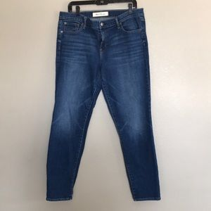 Gap 32 R Real Straight Jeans